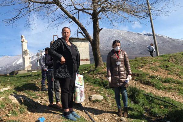 Albanië - alleenstaande moeder